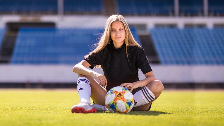 Pe urma viselor - Aneta Sováková