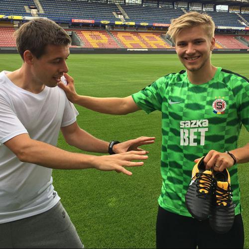 TOP4FOOTBALL TV - Martin Frýdek a nové Nike Tiempo Legend VII