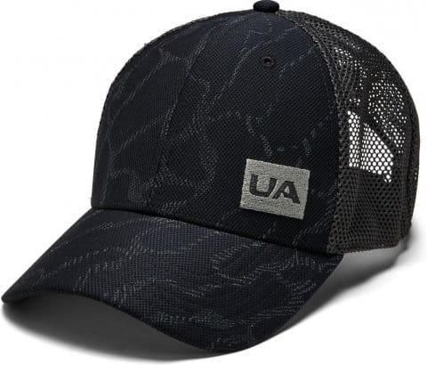 UA Men s Blitzing Trucker 3.0