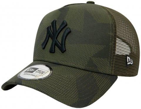 New Era NY Yankees Camo Trucker Cap FNOV