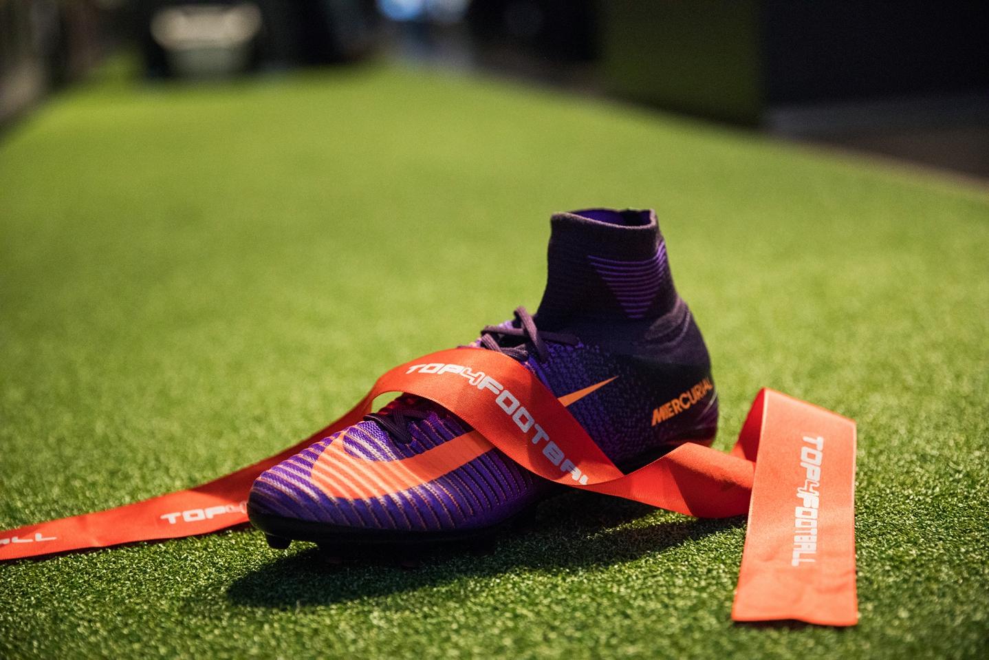 Nike kopačka.