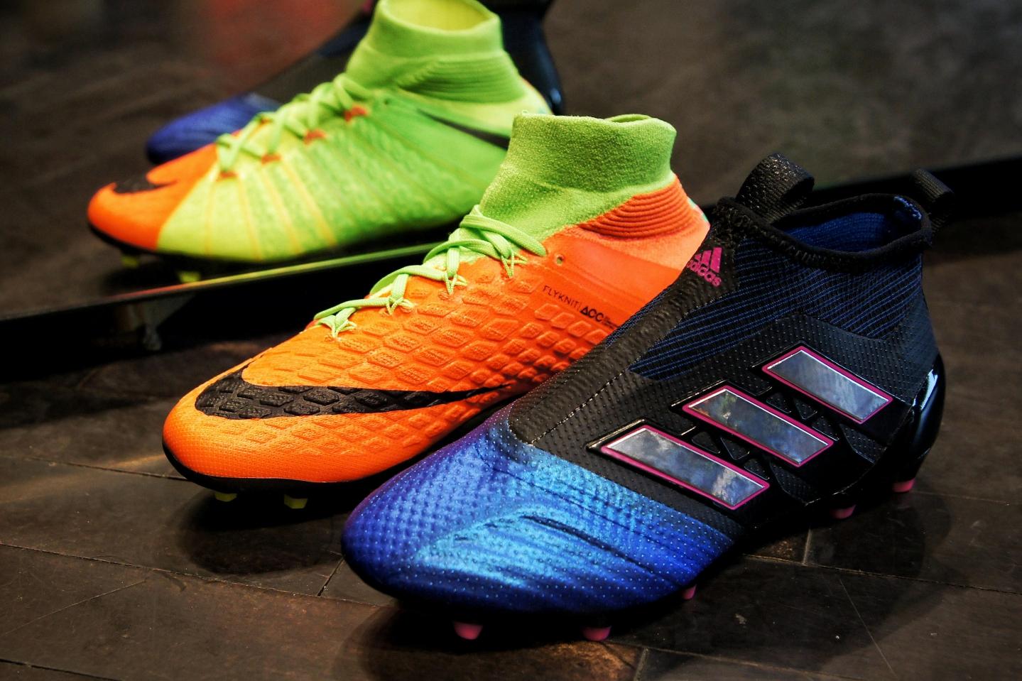 Dětské kopačky adidas a Nike