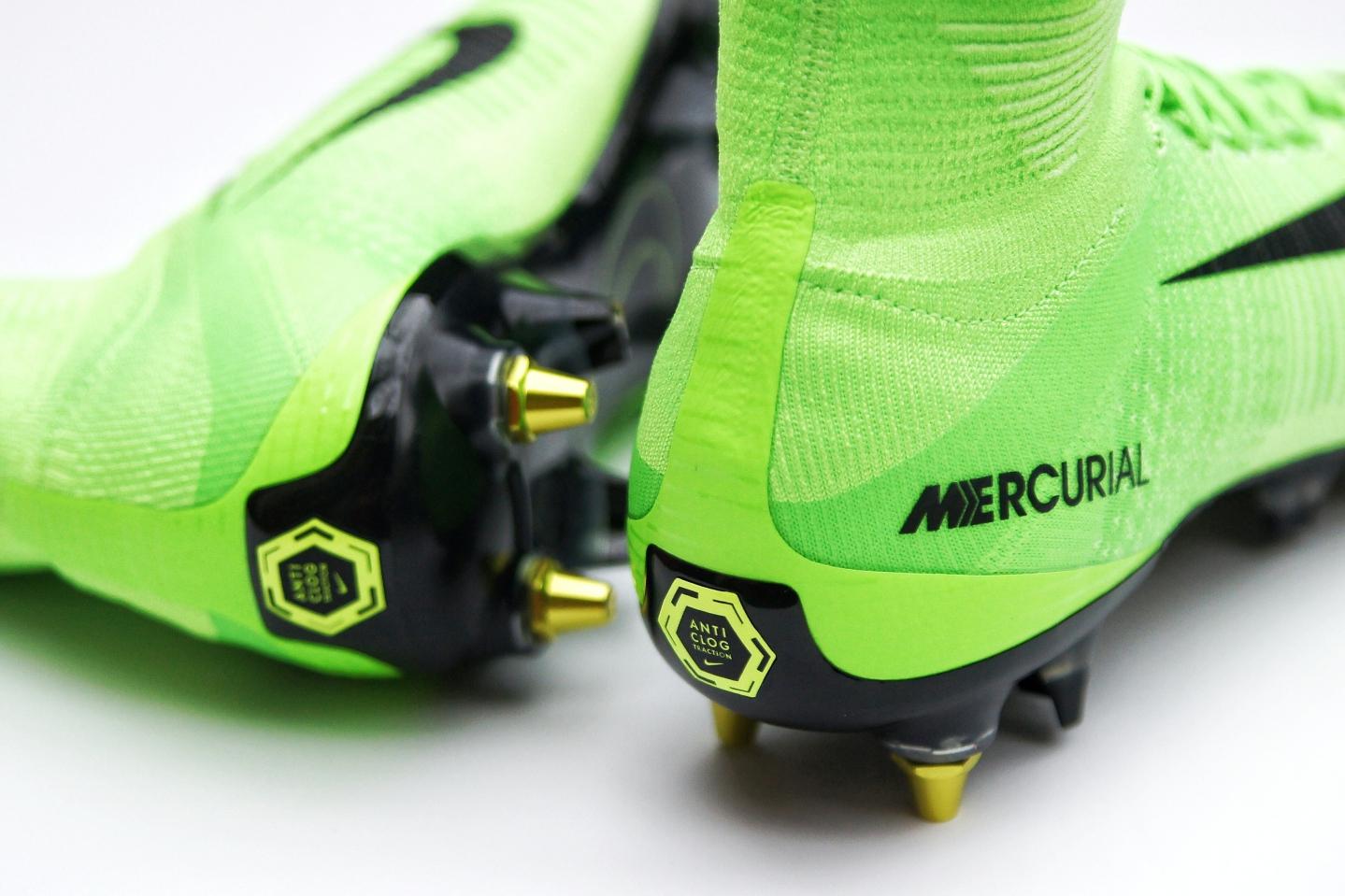 Kopačky Nike s technologií Anti clog traction