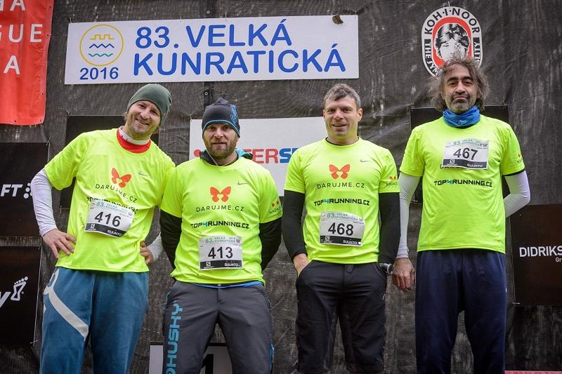 Kohákova družina na Velké kunratické. Zleva: Michal Novotný, Jiří Hölzel, Tomáš Šebek a kapitán týmu Jakub Kohák