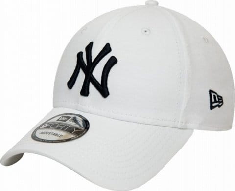 Essential 9Forty NY Yankees Cap