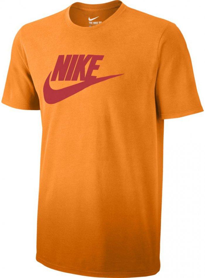 Triko Nike  TEE-SOLSTICE FUTURA