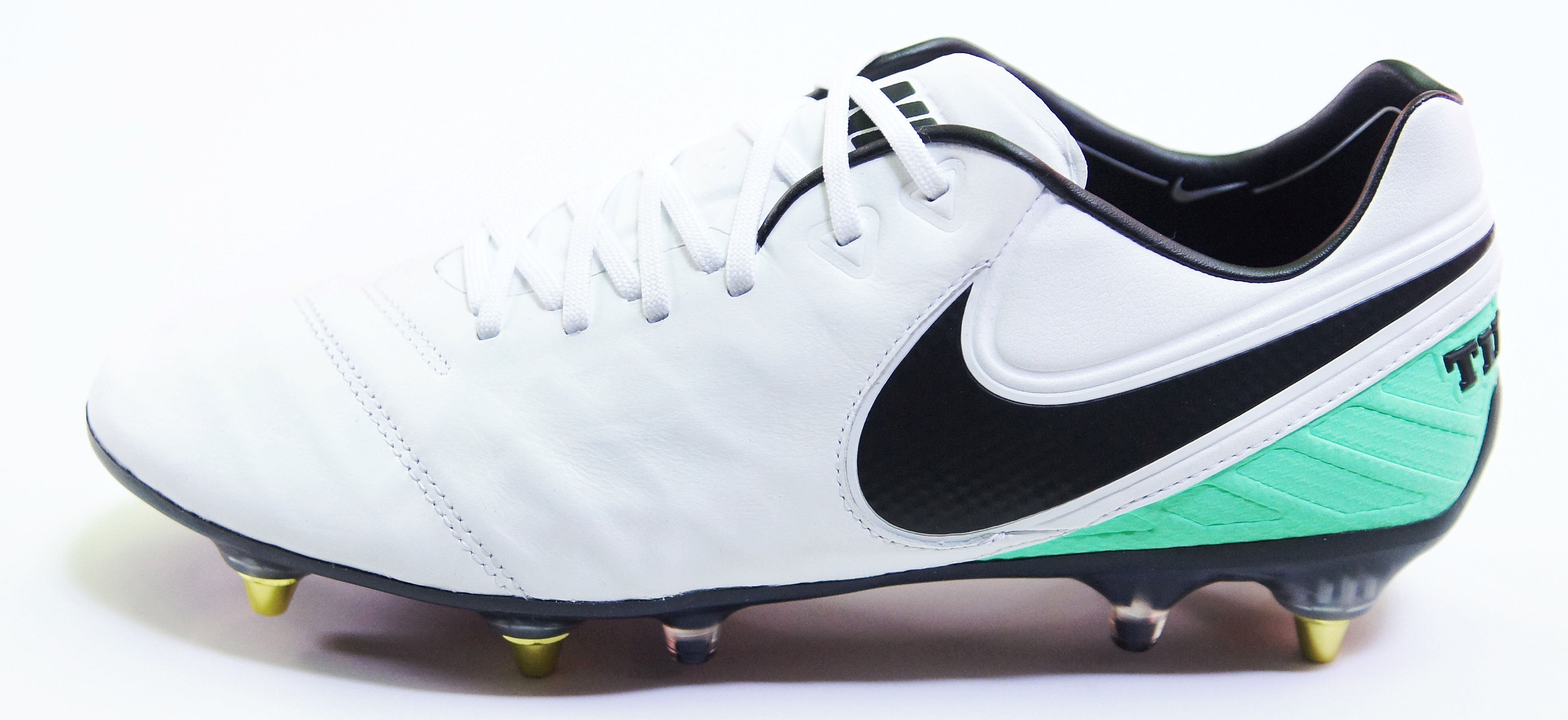 cc33c7fa8 Pánské kopačky Nike Tiempo Legend VI SG-PRO Anti Clog Traction ...