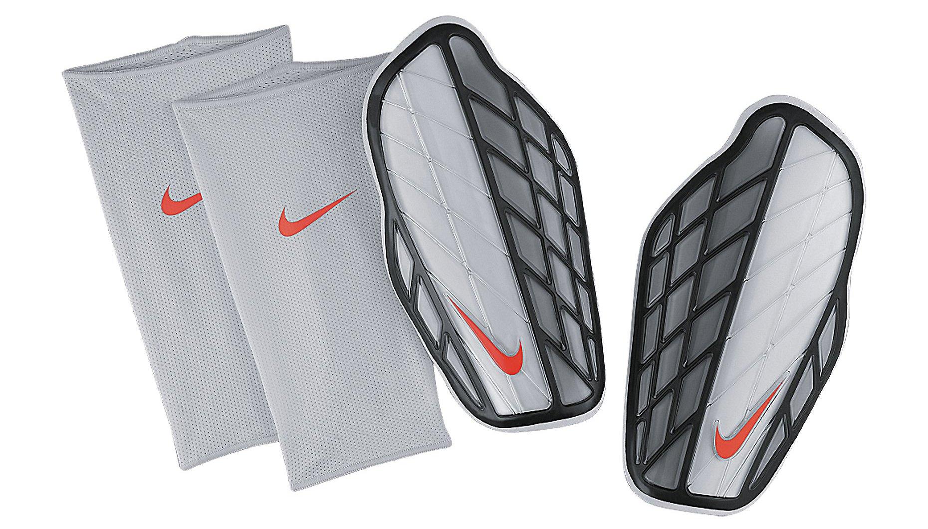 Chrániče Nike Protegga Pro