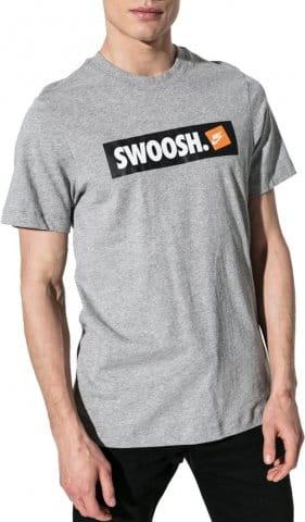 Tee-shirt Nike M NSW TEE SWOOSH BMPR STKR