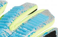 Goalkeeper's gloves adidas PRED PRO